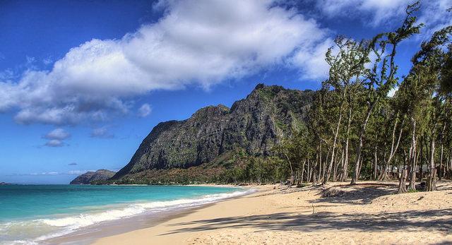 waimanalo beach hawaii strand